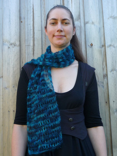 Mohair_scarf_worn_small2