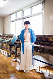 01_minamo_shawl_02_small_best_fit
