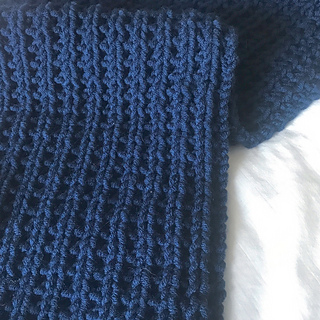 Ravelry: Blue Steel Chunky Scarf pattern by Zoe Bartley