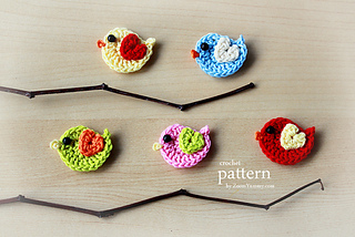 Pattern_-_crochet_bird_on_a_wreath_-_final_-_3_-_630_-_with_text_small2
